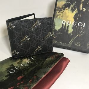 GucciGG Flying Tiger Leather Wallet (Authentic)